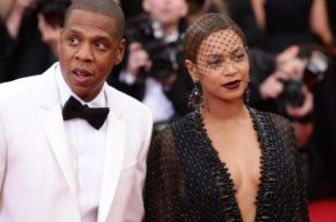 Beyonce And Jay Z Visit Freddie Gray's Family