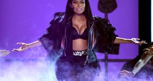 "Nicky Minaj Perform ""The Night Is Still Youthful at BBMAs 2015"