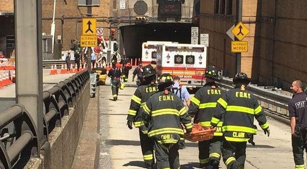 Buses Collide Hurting 31 People in New York Lincoln Tunnel