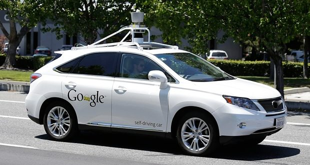 Three employees Injured in Crash involving Self-Driving Google Car