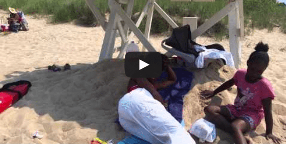 VIDEO: Marquette Park (Chicago) Beach Lifeguard Sleeping on the Job