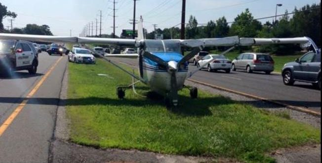 Skydiving Plane Lands on a Highway to Jersey Shore Town, 1 Hurt