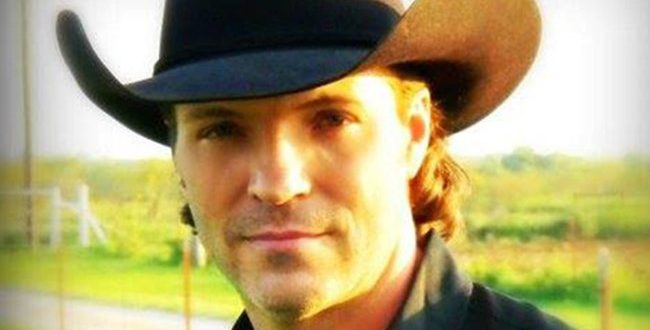 Country Singer Daron Norwood Found Dead in His Home