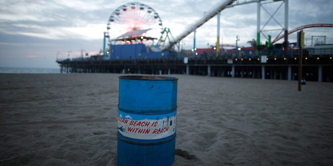 Santa Monica Pier, Section of Beach Evacuated Due to Unknown Substance