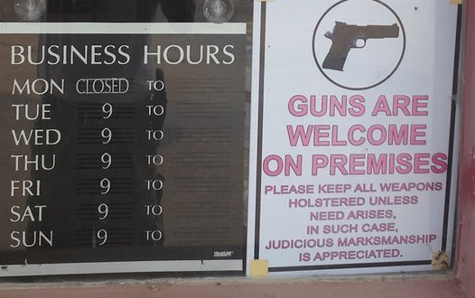 Volunteer Guard at 'Muslim-free' Gun Store Shoots Himself by Accident