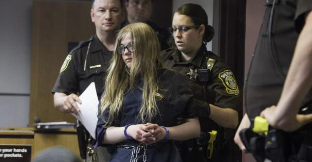 Two Girls Accused in 'Slender Man' Stabbing Case will Stay in Adult Court