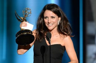 VEEP Star Julia Louis-Dreyfus Roasts Donald Trump At The Emmy's