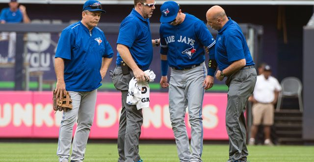 Blue Jays' Troy Tulowitzki Collides with Teammate, Exits with Injury