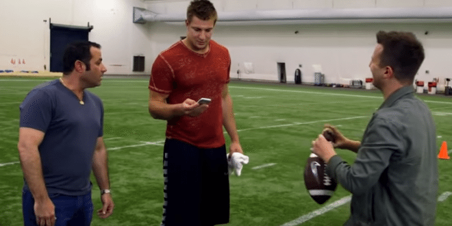 VIDEO Magician Mat Franco Makes Rob Gronkowski's Phone Disappear