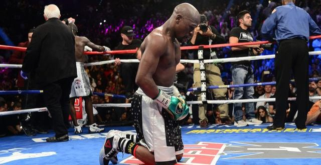 Floyd Mayweather beats Andre Berto, says 'I am done'