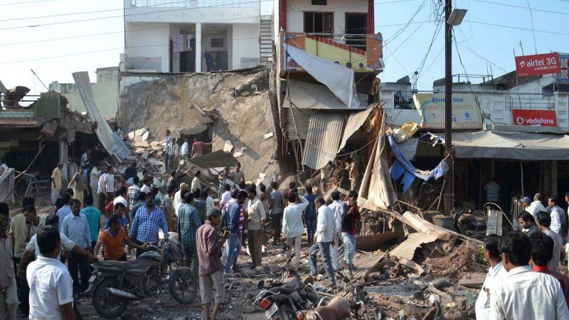 89 People Killed in Explosions at Central India Restaurant