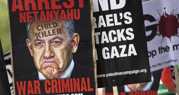 Protests set to continue as David Cameron meets Benjamin Netanyahu for talks