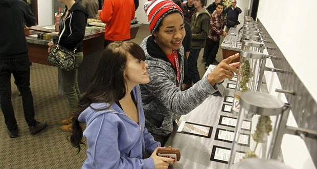 Recreational Marijuana Goes on Sale in Oregon