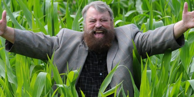 Brian Blessed Delivered a Baby in Richmond Park: 'I Bit Through the Umbilical Cord Then Licked its Face'