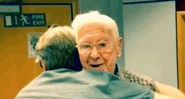 95-Year-Old Man Calls Radio Station BBC Radio Solent to Say He's Lonely, is Invited to Show