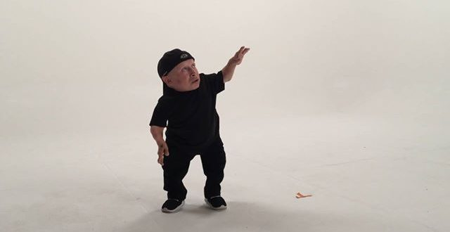 Verne Troyer Posts Video of Himself Dancing to Drake's 'Hotline Bling'