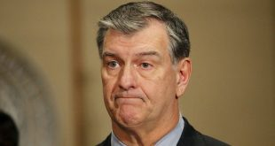 Mayor Mike Rawlings: I Am 'More Fearful' of White Men Shooting People Than Syrian Refugees