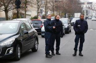 France: Paris Teacher Lied About ISIS Stabbing, Prosecutors Say