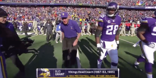 VIDEO Legendary EX- Vikings HC Bud Grant Wears Polo For Opening Coin Toss