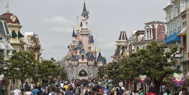 Man Arrested with 2 Handguns at a Hotel Near Disneyland Paris