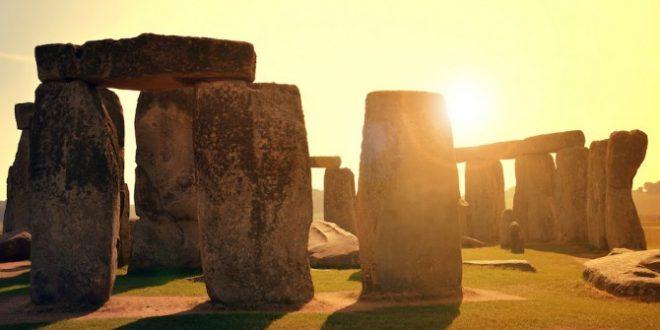 Stonehenge: Bones of 14 High-Status Women Reveals Gender Equality 5000 Years Ago