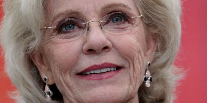 Former Child Star Patty Duke Dies, Age 69