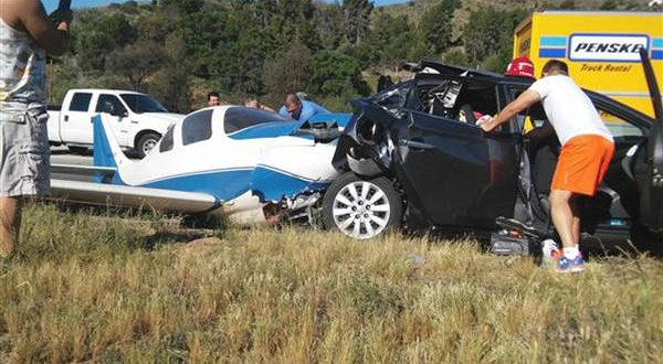 San Diego County, California: 1 Dead, 5 Hurt After Plane Crashes Into Car