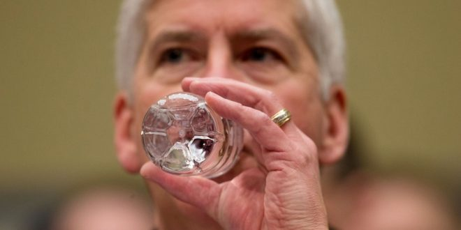 Michigan Gov. Rick Snyder Vows To Drink Flint Water For at Least 30 Days