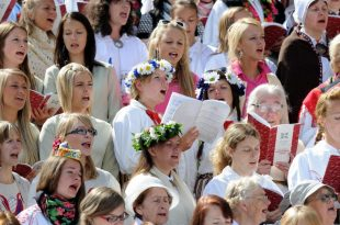 Study Suggests Singing in a Choir Can Help Fight Cancer and Improve Overall Health