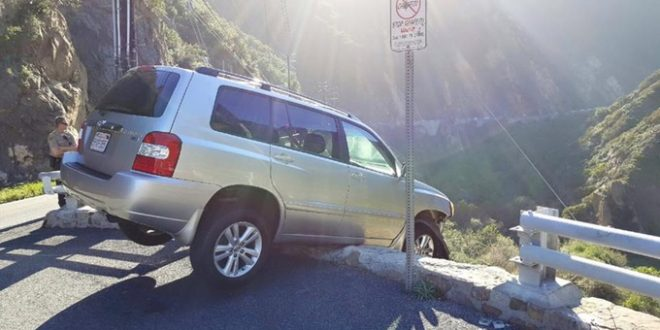 Malibu, California: Driver Escapes From Dangling SUV on Cliff, Then Gets Hit by Bus
