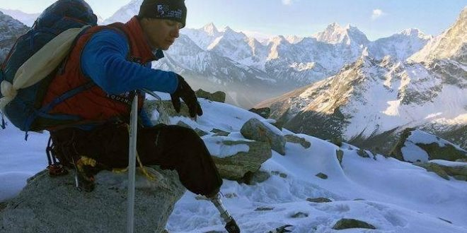 Marine Corps Veteran Who Lost Leg in Iraq Reaches Top Of Mount Everest