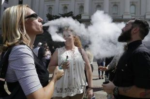 California Governor Jerry Brown Signs Bills to Raise Smoking Age to 21, Restrict Electronic Cigarettes