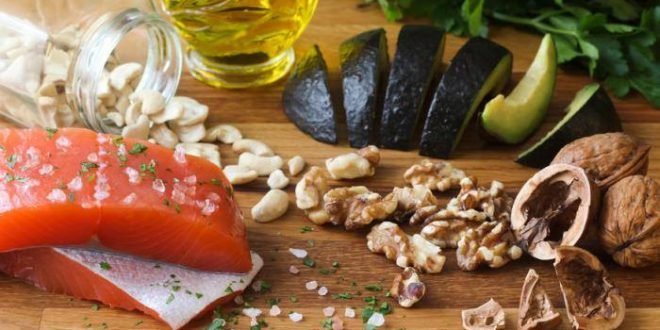 More Weight Loss Occurs on Mediterranean Diet Than on Low-Fat Diet, Study Shows