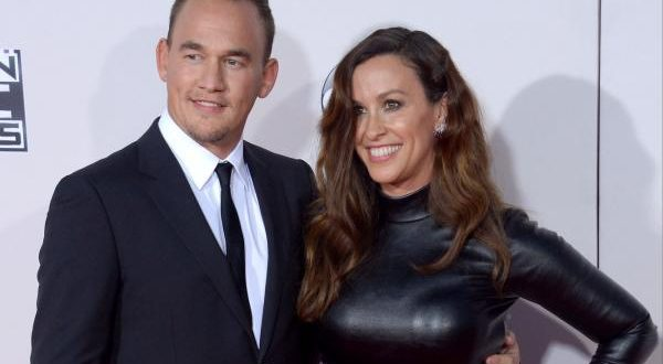 Alanis Morissette Bares Baby Bump in Nude Photo