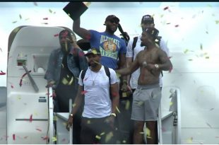 LeBron James Rocks Ultimate Warrior Shirt, Kermit Hat for Cleveland Arrival