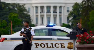 Man Shot Outside White House Told US Secret Service He Came to 'Shoot People'
