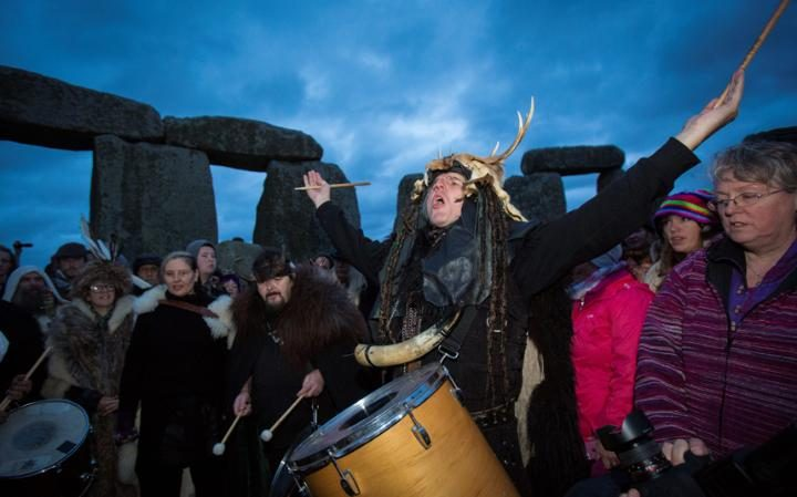 Thousands Expected at Stonehenge Site to See 1st 'Strawberry Moon' Solstice Since 1967