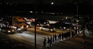 Black Lives Matter Protesters Shut Down 405 Freeway in Inglewood, California