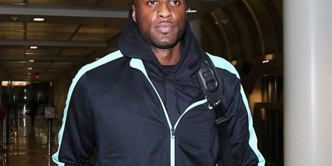 Lamar Odom Removed From Flight For Being Drunk, Vomiting