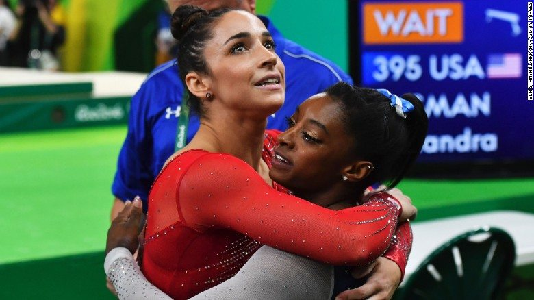160811214701-raisman-biles-exlarge-169