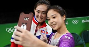Rio 2016: Selfie Between South Korean and North Korean Gymnasts Becomes Instant Icon of Unity