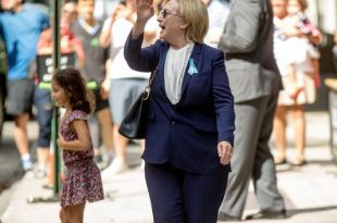 The Internet Thinks Hillary Clinton Has a Body Double