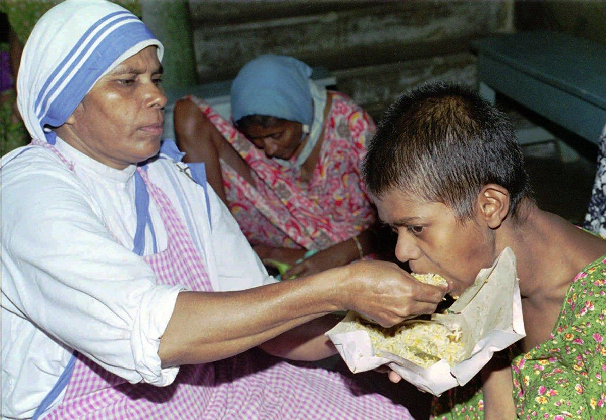 St. Teresa founded the Missionaries of Charity in her adopted home of Kolkata, India. (BIKAS DAS/AP)