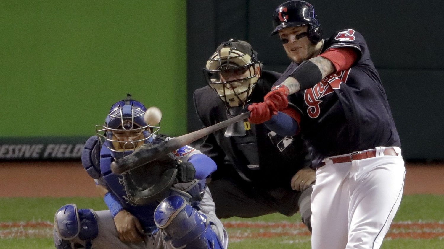 Cleveland Indians Beats Chicago Cubs 6-0 In Game 1 Of World Series