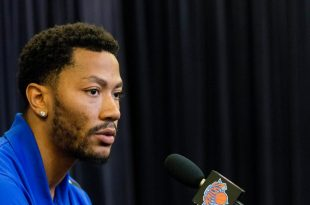 HOUSTON — Derrick Rose said he will leave the Knicks on Wednesday to join the $21.5 million civil sexual assault trial that began Tuesday morning in Los Angeles and doesn't know when he'll return to New York.