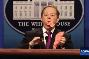 Melissa McCarthy Returns as Sean 'Spicy' Spicer Defending Trump in 'Saturday Night Live' White House Press Briefing
