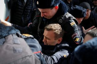 Protesters Gather in 100 Cities Across Russia; Top Putin Critic Is Arrested