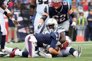 Patriots Hang On; Fend Off Chargers for AFC-Best 6-2 Record