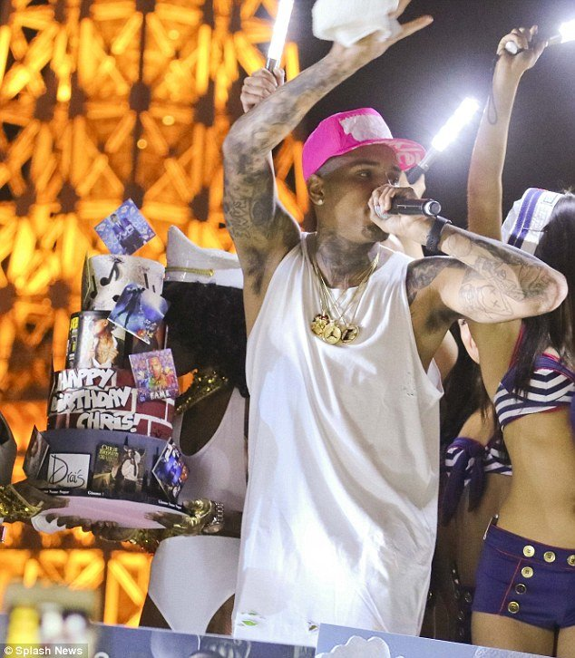 Chris Brown Catches Naked Gatecrasher in Bed
