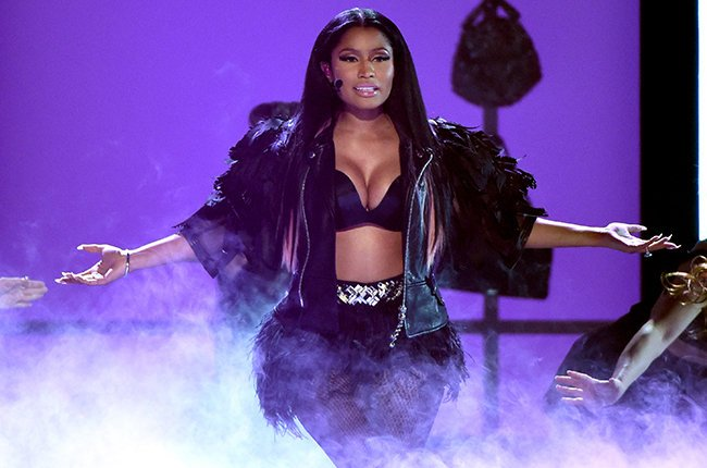 "Nicky Minaj Perform ""The Night Is Still Youthful at BBMAs 2015"